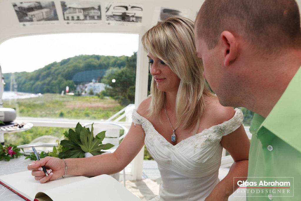 Binz-Rettungsturm-Seebruecke-Hochzeit-2.jpg