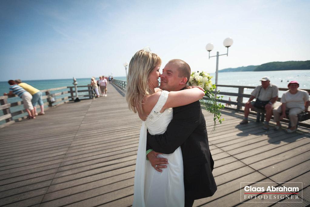 Binz-Rettungsturm-Seebruecke-Hochzeit-6.jpg